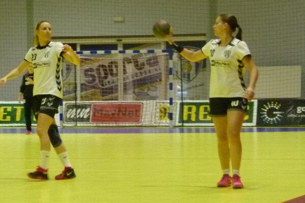 K víťazstvu SPORTY v Stupave prispeli gólmi aj Luščonová (vľavo) a Danišová.