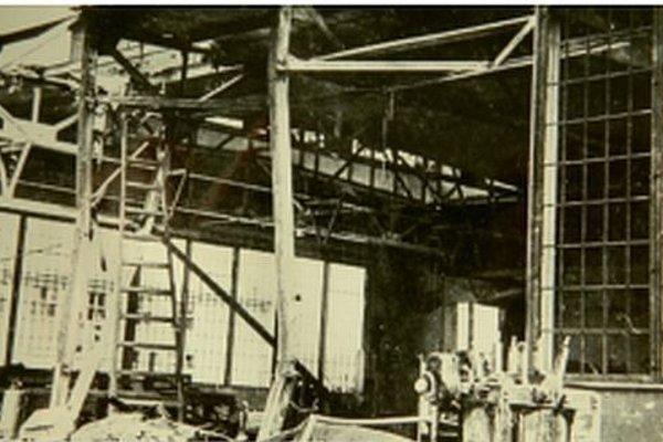Továreň v Trenčianskych Biskupiciach Nemci zničili.