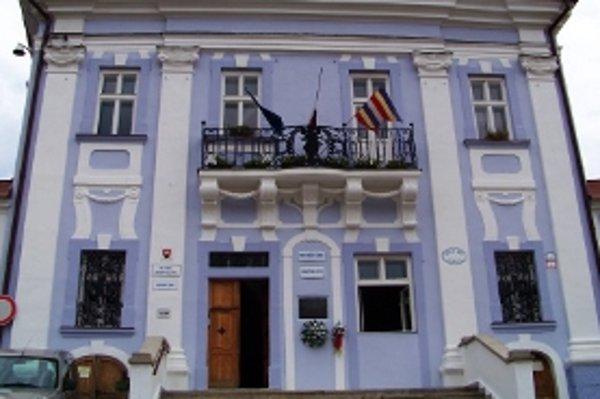 """Názov pamiatky: Mestský dom <br/>Adresa pamiatky: Štefánikovo nám. 1/1, 967 01 Kremnica <br/><p><a href=""""http://www.spp.sk/spp-pre-buducnost/obnovme-si-svoj-dom/"""" target=""""_blank"""">Interaktívna mapa</a></p>"""
