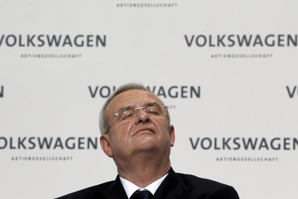 Martin Winterkorn krátko po prepuknutí emisného škandálu odstúpil z pozície šéfa automobilky.