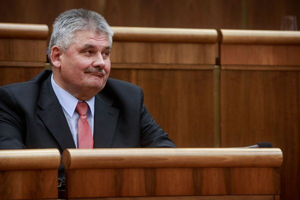 Minimálny dôchodok vyšiel z dielne ministerstva práce, ktoré riadi Ján Richter.