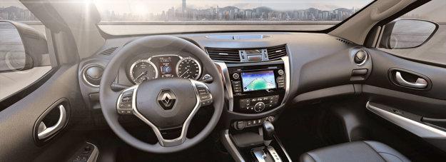 Pohľad do interiéru nového Renaultu Alaskan