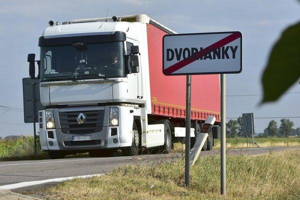 V Dvorniankach sa chystá v nedeľu protest proti kamiónom.
