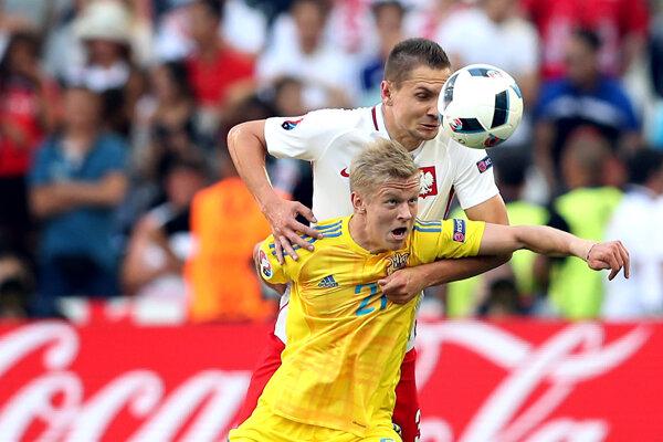 Zinčenko (v žltom) reprezentoval Ukrajinu aj na európskom šampionáte vo Francúzsku.