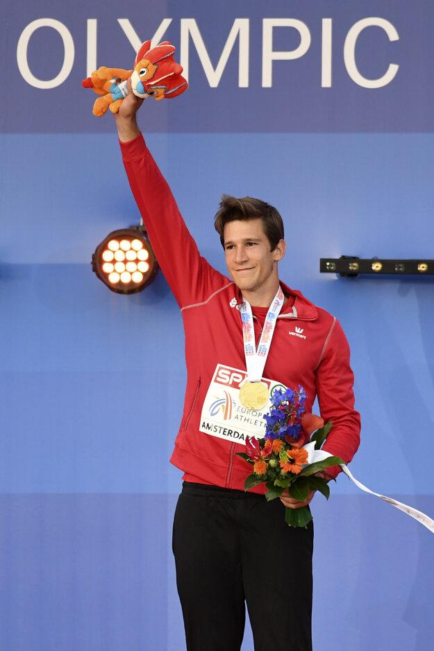 Thomas Van der Plaetsen sa teší zo zisku titulu majstra Európy.