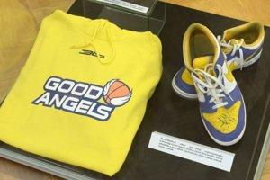 Na snímke basketbalová obuv americkej reprezentantky Good Angels Košice Janel McCarville.