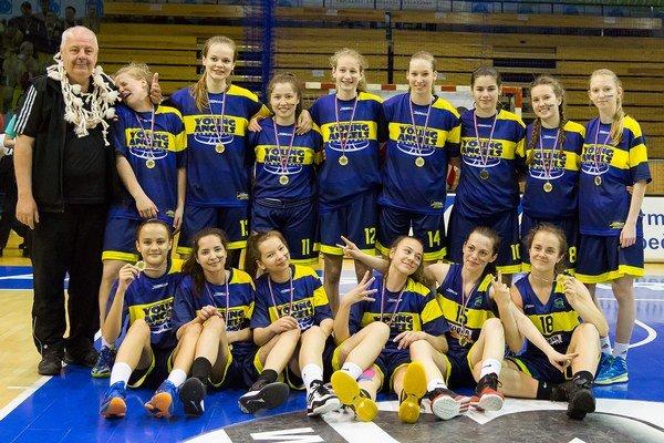 Majstrovský tím Young Angels Košice. Titul vybojovali už štvrtýkrát.