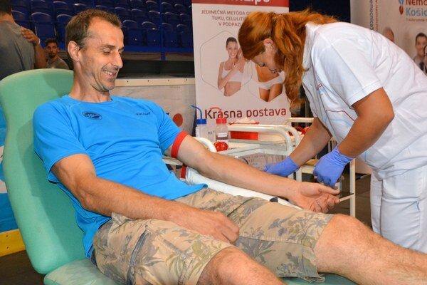 Peter Bartoš. Košický kanonier sa na darovaní krvi zúčastňuje každý rok.