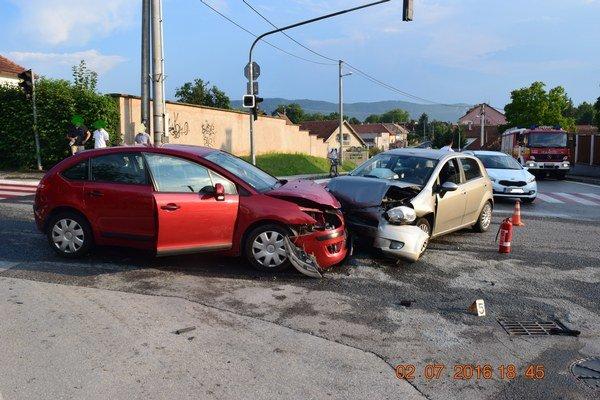 Poriadnu melu na ceste spôsobil v sobotu v Rožňave opitý 26-ročný Moldavčan.