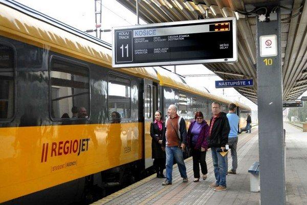 Žlté vlaky v Košiciach.