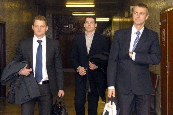 Tokár, Petruš a Raši. Prvé pojednávanie v januári 2014.
