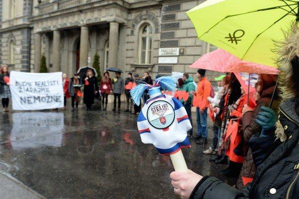 V pondelok prebrali štafetový kolík. Vysoké školy vstúpili do ostrého štrajku.
