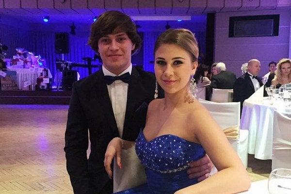 Na plese spolu spriateľkou Katkou. Spoločnosť A. Vaškovi robila jeho polovička aj na galavečeri ŠOK.