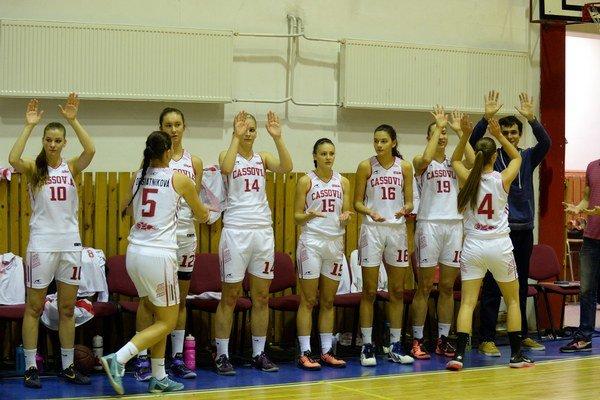 Napriek krivde majú basketbalistky Cassovie postup na dosah. Vsérii sPopradom vedú 2:1 na zápasy, dnes je na programe štvrtý duel.