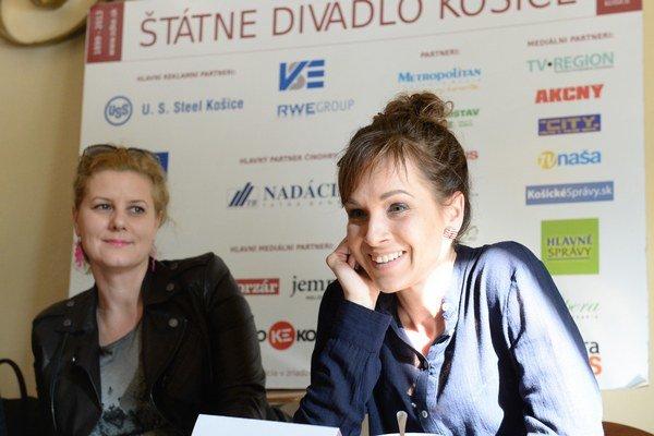 Zľava režisérka Valéria Schulczová a herečka Tatiana Poláková.