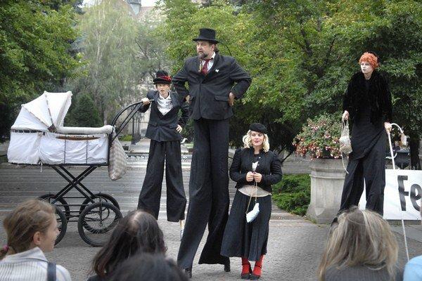 Košické divadlo. Podporu našlo aj občianske združenie, ktoré organizuje Festival divadiel strednej Európy.