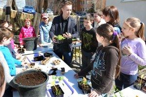 Výmenník Wuppertálska. Komunitnú záhradu využívajú aj deti zo základných škôl. Z pikírovania boli nadšení.