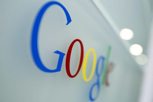Proti Google sa vedie proces už od roka 2010. Viaceré spoločnosti podali na koncern sťažnosť za zneužívanie trhového postavenia.