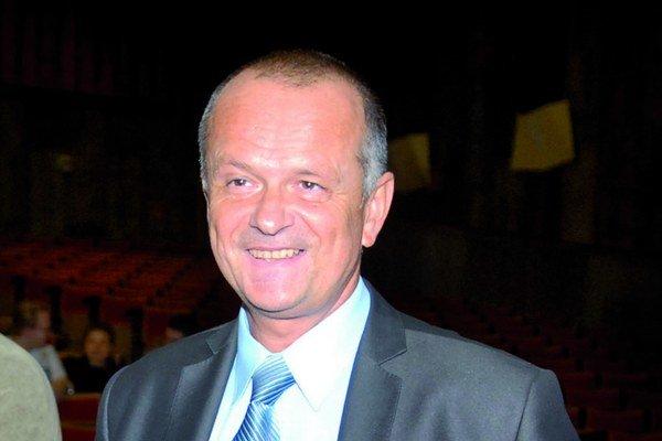 Dekan Daniel Pella.