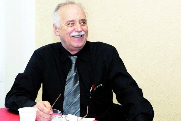 Exposlanec Peter Hrabovský. Chce oddychovať a venovať sa rodine.
