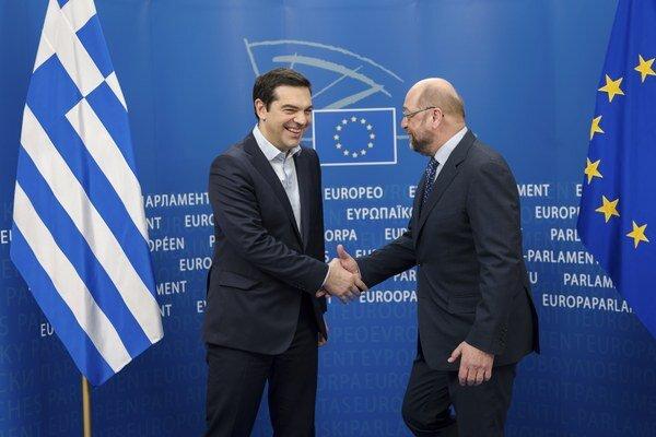 Grécky premiér Alexis Tsipras a predseda Európskeho parlamentu Martin Schulz.