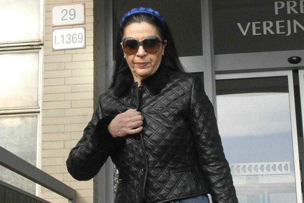 Mojsejová na súde. Chodí sa ukázať, že neušla do Ameriky.