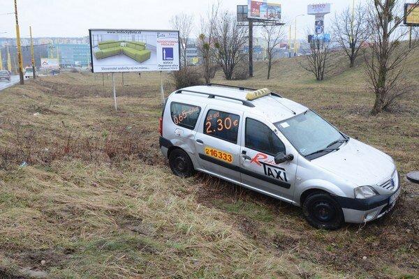 Po nehode. Vodič mal šťastie v nešťastí.