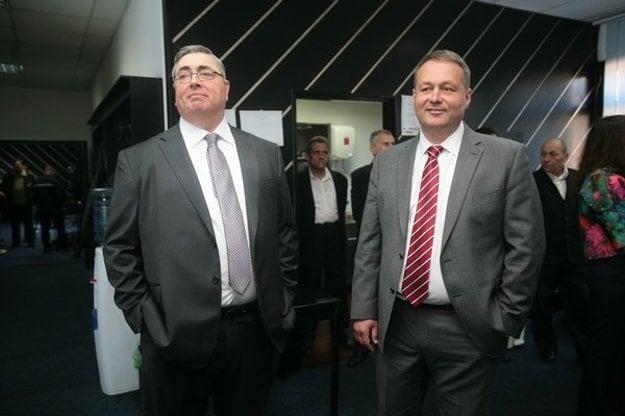 Exprezident košických oceliarní J. Goodish a P. Kamarás (vpravo).  Kamarás má k čínskemu He Steelu aj vďaka svojim obchodných aktivitám veľmi blízko.