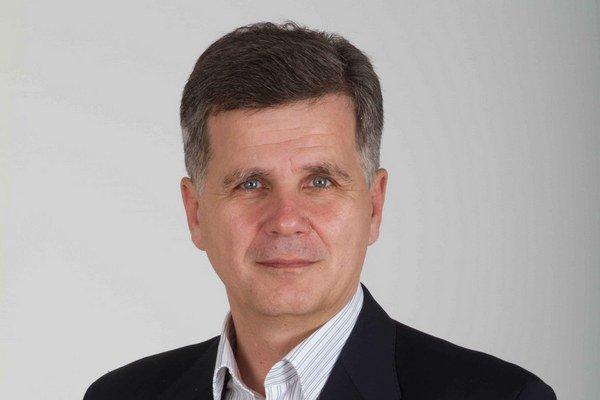Emil Kočiš. Expodpredseda NKÚ túži byť starostom na Pereši.