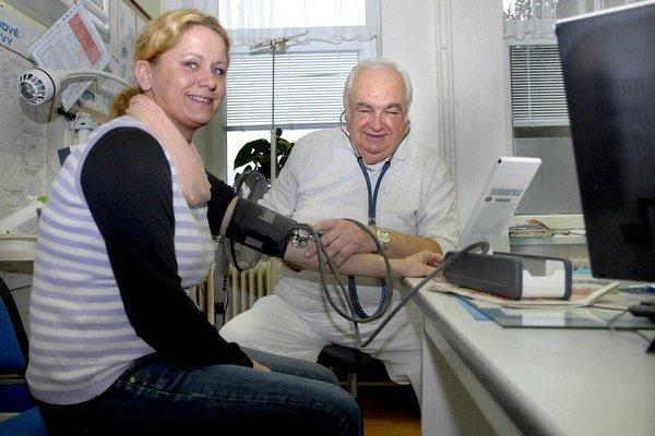 Doktor Marušiak. Pacientom sa venuje neuveriteľných 48 rokov.