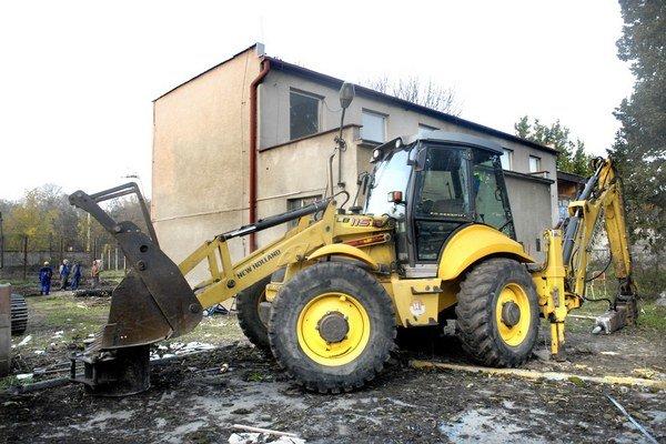 Po búračoch nastúpia stavebné firmy. Do plánovaného otvorenia ostáva už len 7 mesiacov.