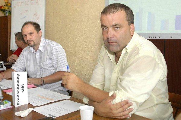 Gaj sa opäť stretne s Polačkom (vľavo), ale už ako poslancom. Tri roky bol jeho prednostom, potom sa rozkmotrili a Polaček vo voľbách starostu len tesne prehral. Takže vyhnúť sa konfliktom v novom zastupiteľstve nebude ľahké...