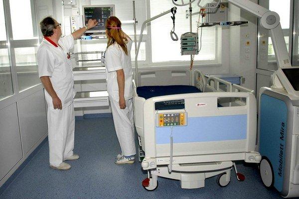 Miliónový urgent za eurofondy. Jeho upratovanie si nemocnica priamo objednala po prieskume trhu.