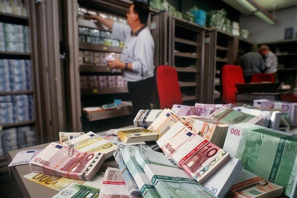Banky sa mali radiť o svojom stanovisku k novej legislatíve.