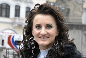Anna Gaja. Nielen jej spev a darované cédečká mali ovplyvňovať hlasovanie dôchodcov na košickom Severe.