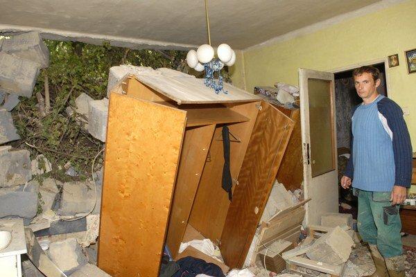 Takto to vyzeralo v roku 2010. Zem vtrhla ľuďom i do domov.