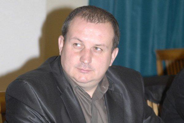 Marek Korpa. Poslanec z reality šou Pláž 33.