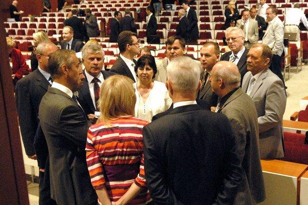 Zastupiteľstvo sa preriedi. Získať mandát a mesačnú odmenu okolo 400 eur bude ťažšie.