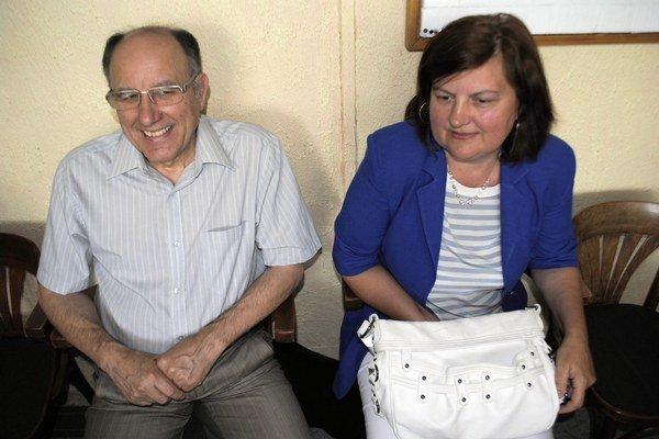 Ladislav Gööz a Mária Tomášová. Aj doteraz pracovali v komisiách.
