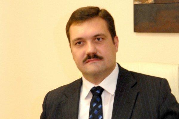 Viliam Novotný. Expodpredseda SDKÚ verí v lepšie zajtrajšky svojej strany.