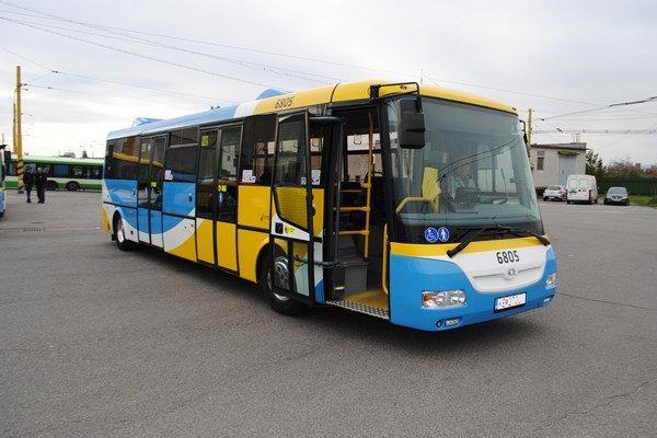 Nový elektrobus. Prvých cestujúcich by mal povoziť už na budúci týždeň.