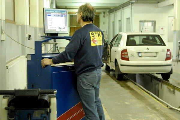 Stanica technickej kontroly. Mali by ste ju navštíviť vždy, keď to periodicita kontrol na vašom aute vyžaduje.
