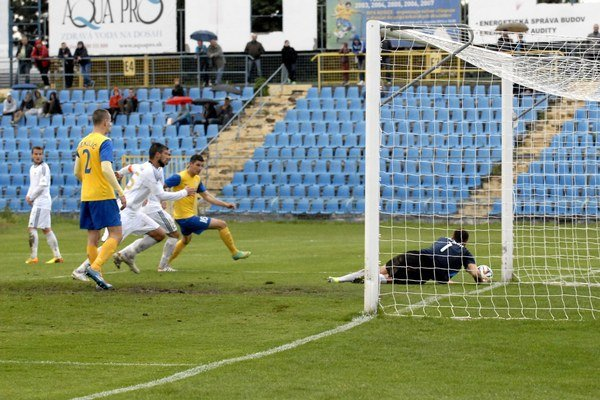 Momentka z Čermeľa. Po tejto situácii gól nepadol.