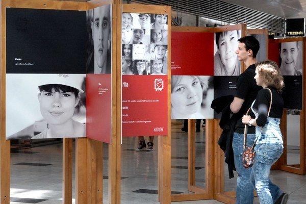 Milé portréty. Ich autorkou je dobrovoľníčka Júlia Zorkovská.