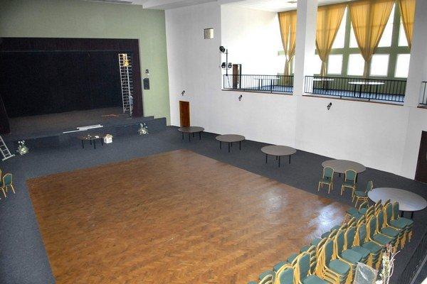 Estrádna sála. Prešla kompletnou obnovou.