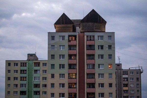 Košice majú drevenicu na paneláku.
