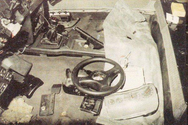 Drogy boli ukryté v motorovej časti aj v interiéri.