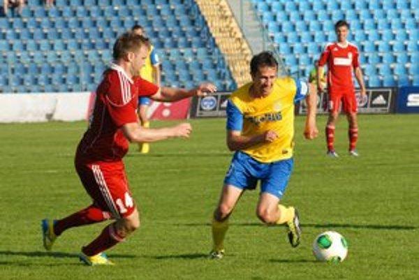 Prešovský rodák. Miroslav Viazanko (vpravo) vraví, že Tatran musí o body bojovať.
