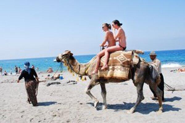 Čisté more, horúci piesok a štipka exotiky. Turecko turistom nepokazia ani demonštranti.
