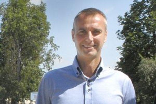 Primátor Košíc Richard Raši tvrdí, že nepozná nikoho zo spoločnosti Waltz Properties Limited, ktorá dostane od Košíc po dohode takmer 10 miliónov eur.